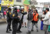 Vecinos de Miramar Bajo bloquearon hoy un tramo de la avenida Meiggs.
