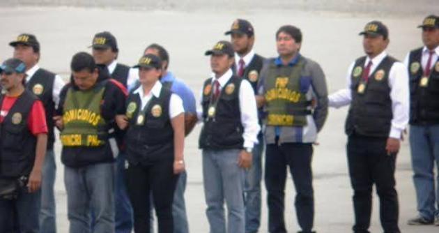 ... de César Álvarez contaba con seis policías en actividad y en retiro